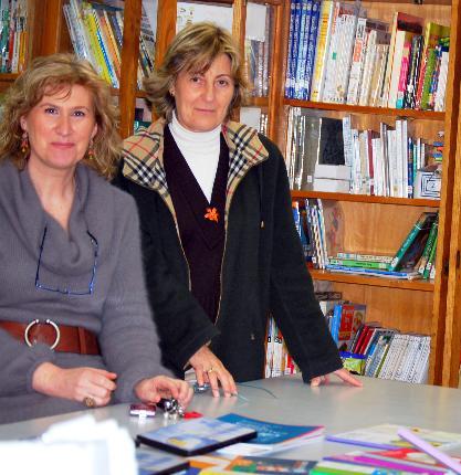 El Ayuntamiento entrega un lote de libros y de DVD´s sobre Igualdad a la Biblioteca del C.P. Santa Juliana
