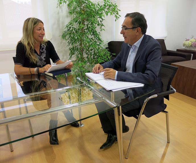 Cruz Viadero se compromete a estudiar la implantación de la OLA