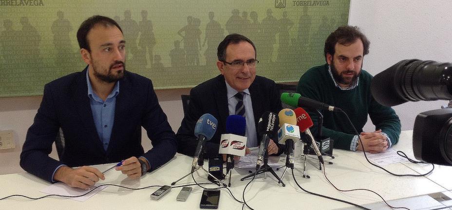 De izquierda a derecha: Javier López Estrada, José Manuel Cruz Viadero y José Otto Oyarbide