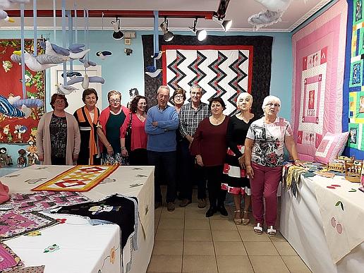 El Taller municipal de Patchwork expone en la Sala municipal Algas de Suances