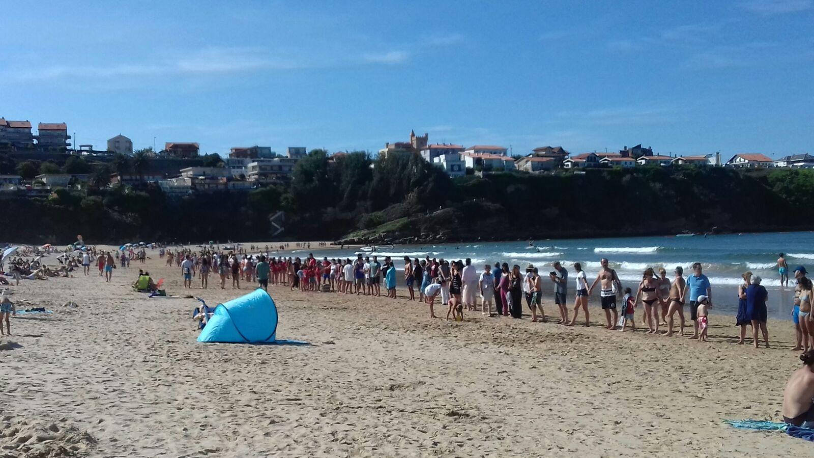 Polémica por la prohibición de baño en la Playa de la Concha de Suances
