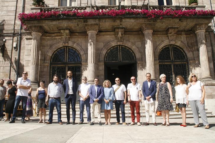 Torrelavega muestra su rechazo a la violencia machista