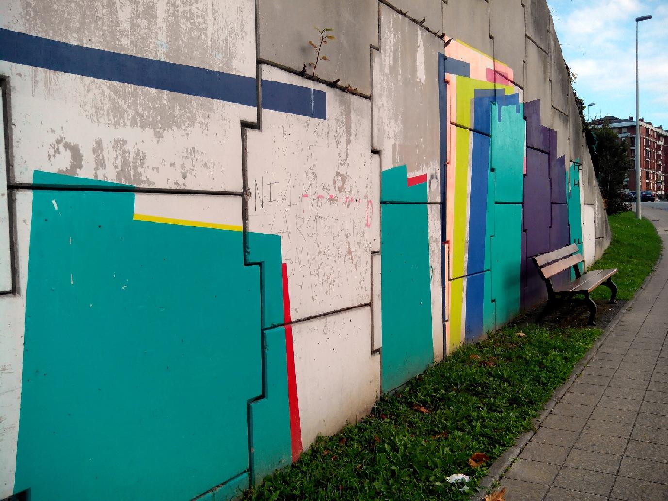 """C´s pide explicaciones por la """"pésima gestión"""" del proyecto 'Way Art' en la ciudad - En la imagen, el mural inacabado de la artista Nuria Mora en la carretera de Barreda"""