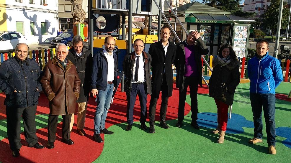 Inaugurado el nuevo parque infantil del Barrio Covadonga