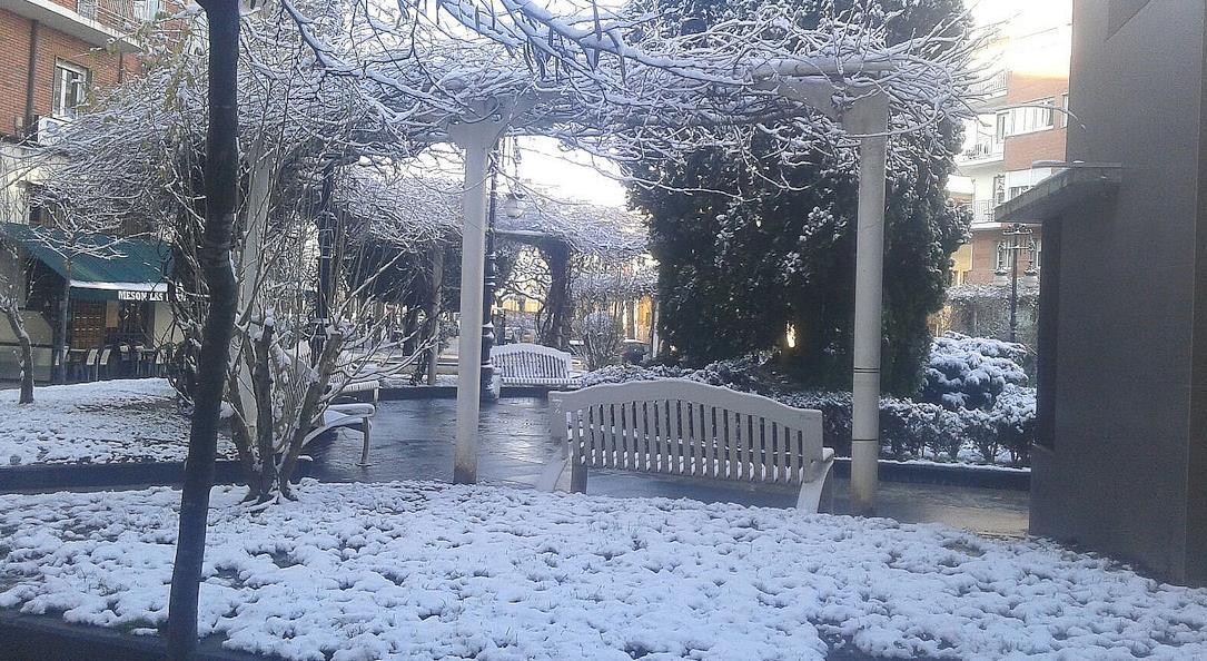 Foto: Alfonso Solares - Torrelavega amanece nevada