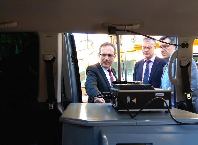 La Policía Local cuenta desde hoy con una furgoneta para la realización de pruebas de alcoholemia
