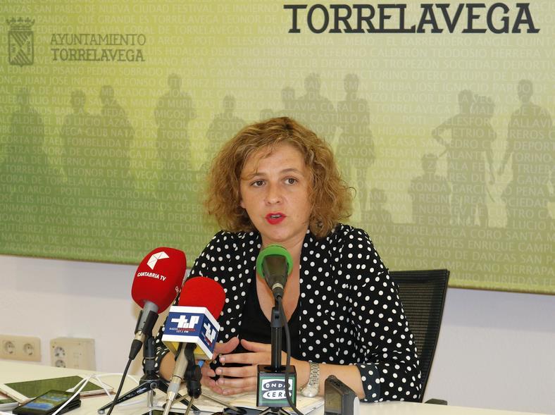 """En la foto, Patricia Portilla - Torrelavega recupera el programa """"Abierto en vacaciones para todos"""""""