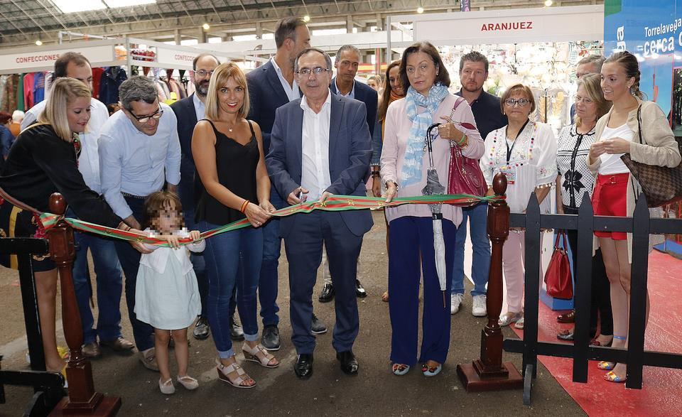 Éxito de la Feria del Stock organizada por Impulso Torrelavega