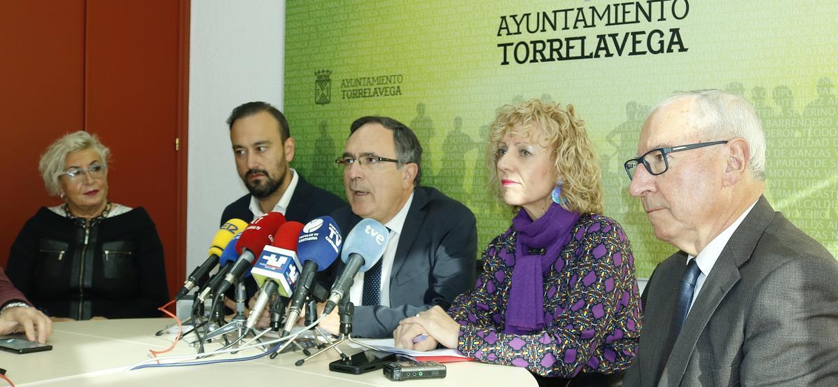 """Cruz Viadero y Díaz Tezanos ponen en valor las inversiones en Torrelavega frente al """"abandono absoluto"""" del PP"""