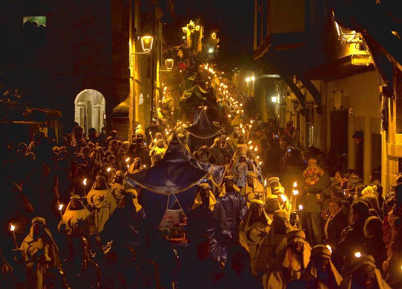 La Cabalgata de Reyes de Santillana del Mar cumple 60 años