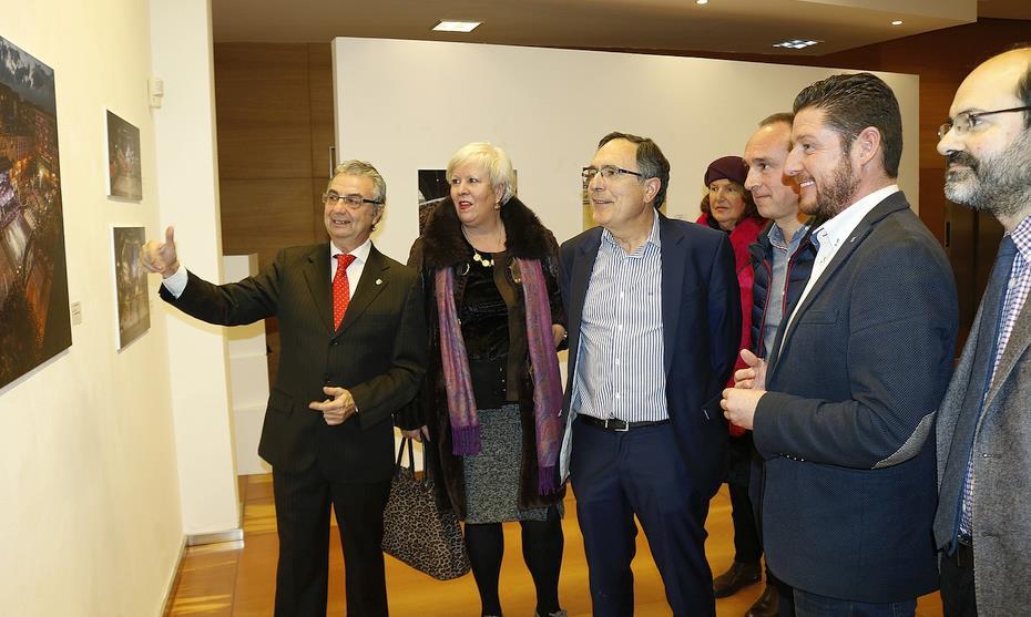 Inaugurada la exposición fotográfica 'Torrelavega 2018. Un año sintiendo el deporte'