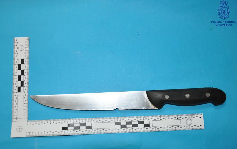 Dos detenidos por una pelea en la que se intervino un cuchillo de 25 centímetros