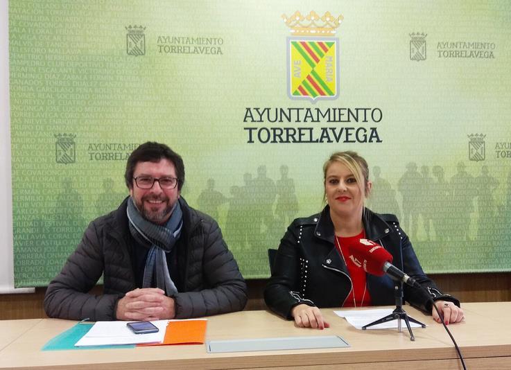 Carlos Alcorta y Cristina García Viñas anuncian que Miguel Ángel Revilla será el pregonero de la Feria del Libro de Torrelavega