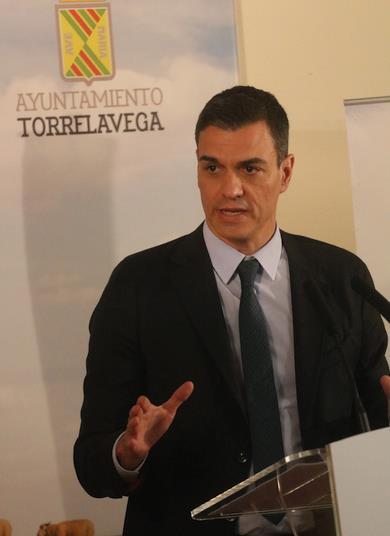 El Presidente Pedro Sánchez visitó Torrelavega, invitado por el Alcalde José Manuel Cruz Viadero