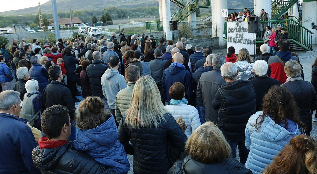 Polanco en pie de guerra contra la instalación de la depuradora de Vuelta Ostrera II en Requejada