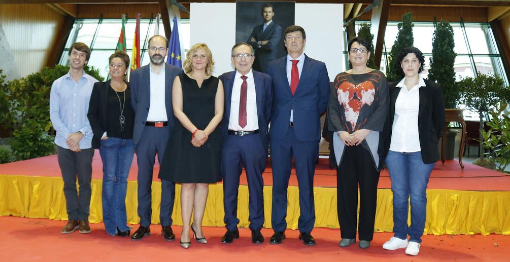 Foto de familia del PSOE de Torrelavega (FOTO: (C) ESTORRELAVEGA / DAVID LAGUILLO, 15 de junio de 2019