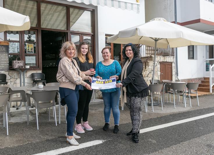Vecinos de Mar recaudan dinero en sus fiestas para familias necesitadas del municipio
