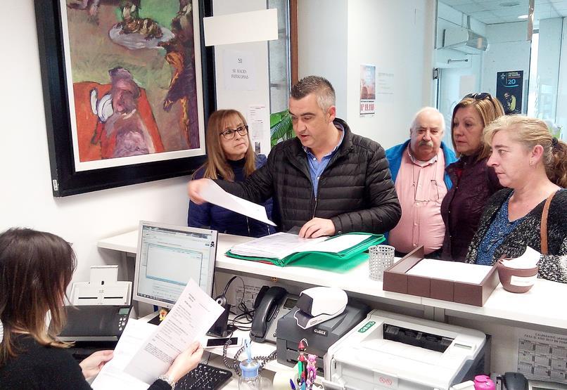 Vecinos del barrio Zapatón entregan más de 2.000 firmas contra la ubicación del Centro Juvenil